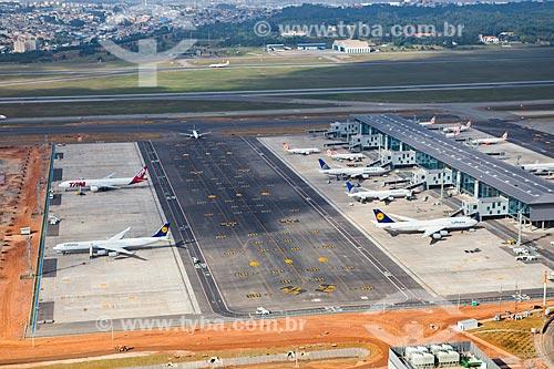 Assunto: Foto aérea do terminal 3 do Aeroporto Internacional de São Paulo-Guarulhos Governador André Franco Montoro (1985) / Local: Guarulhos - São Paulo (SP) - Brasil / Data: 06/2014