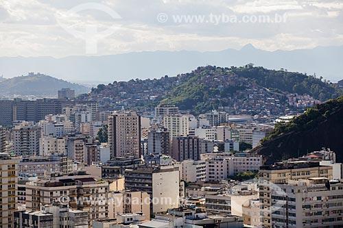 Assunto: Prédios da Tijuca com Morro da Mangueira ao fundo / Local: Tijuca - Rio de Janeiro (RJ) - Brasil / Data: 07/2014