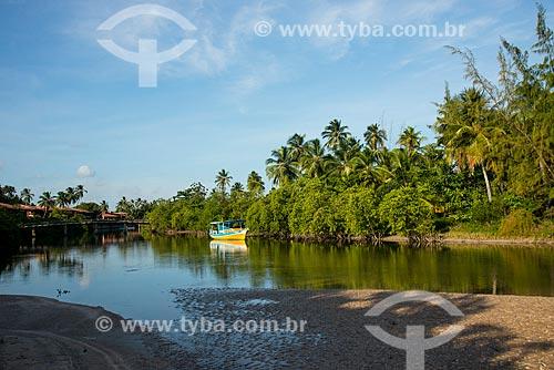 Assunto: Barco atracado no Rio Maragogi / Local: Maragogi - Alagoas (AL) - Brasil / Data: 12/2013