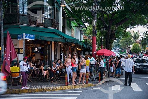 Assunto: Bar na esquina das Rua Mourato Coelho com a Rua Aspicuelta - Vila Madalena / Local: Pinheiros - São Paulo (SP) - Brasil / Data: 03/2014