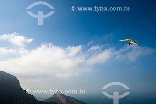Assunto: Voo duplo de asa delta na rampa da Pedra Bonita / Local: São Conrado - Rio de Janeiro (RJ) - Brasil / Data: 06/2014