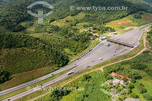 Foto aérea do pedágio na Rodovia Régis Bittencourt (BR-116)  - Miracatu - São Paulo (SP) - Brasil