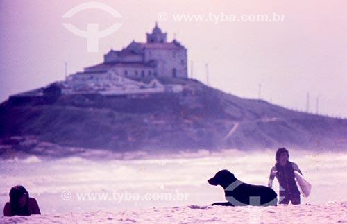 Praia de Itaúna com Igreja de Nossa Senhora de Nazaré ao fundo  - Saquarema - Rio de Janeiro (RJ) - Brasil