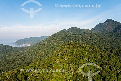 Estação Ecológica de Juréia-Itatins ao fundo e Praia do Juquiazinho  - Peruíbe - São Paulo (SP) - Brasil