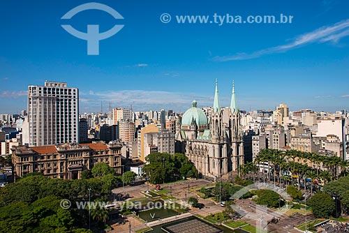 Vista da Catedral Metropolitana de São Paulo - projeto do alemão Maximilian Emil Hehl - construída em 1912 e inaugurada em 1954 - restaurada entre 1999 e 2002  - São Paulo - São Paulo (SP) - Brasil
