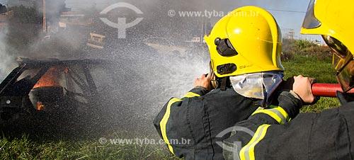 Treinamento dos bombeiros de Porto Velho - simulação de combate à incêndio  - Porto Velho - Rondônia (RO) - Brasil