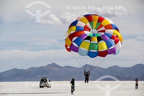 Parapente no Salar de Uyuni  - Departamento Potosí - Bolívia
