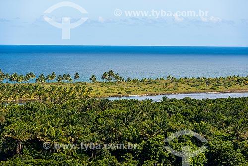 Lagoa do Cassange com a praia de taipús de fora ao fundo  - Maraú - Bahia (BA) - Brasil