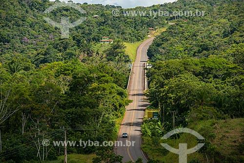 Vista da ponte sobre o Rio de Contas na Rodovia BA-001  - Itacaré - Bahia (BA) - Brasil