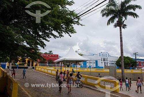 Pessoas na Praça São Miguel Arcanjo  - Itacaré - Bahia (BA) - Brasil