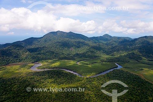 Foto aérea do Rio Guaraú com a Estação Ecológica de Juréia-Itatins ao fundo  - Peruíbe - São Paulo (SP) - Brasil