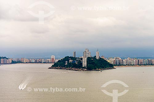 Ilha Porchat com a Praia grande - à esquerda - e Santos - à direita  - São Vicente - São Paulo (SP) - Brasil