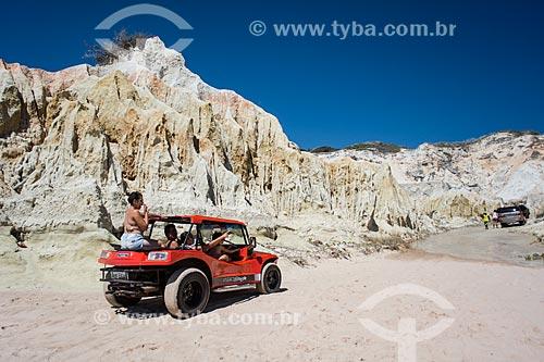 Passeio de Bugre na orla da Praia de Majorlândia  - Aracati - Ceará (CE) - Brasil