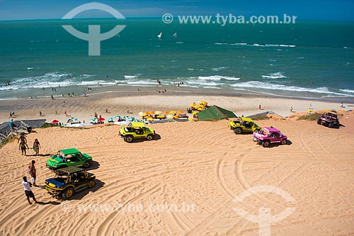 Bugres na orla da Praia de Canoa Quebrada  - Aracati - Ceará (CE) - Brasil