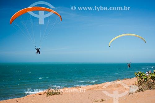 Parapentes na orla da Praia de Canoa Quebrada  - Aracati - Ceará (CE) - Brasil
