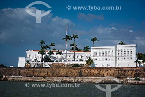 Palácio dos Leões (1766) - sede do Governo do Estado - visto a partir da foz do Rio Bacanga  - São Luís - Maranhão (MA) - Brasil