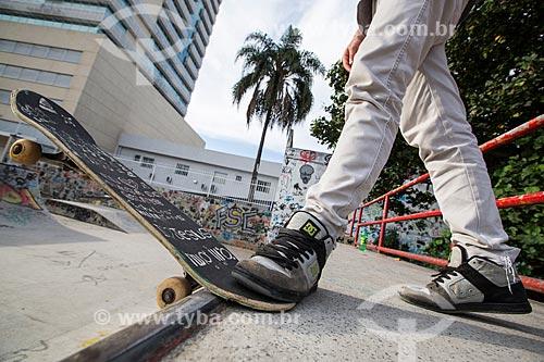 Skatista na Pista de Skate da Via Light  - Nova Iguaçu - Rio de Janeiro (RJ) - Brasil