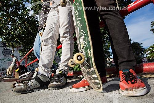 Skatistas na Pista de Skate da Via Light  - Nova Iguaçu - Rio de Janeiro (RJ) - Brasil