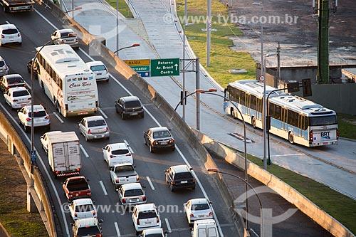 Linha Vermelha com BRT Transcarioca na altura da Ilha do Fundão  - Rio de Janeiro - Rio de Janeiro (RJ) - Brasil