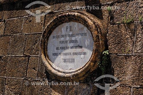 Placa em homenagem à Dom Pedro II - Forte São José na Fortaleza de São João (1565)  - Rio de Janeiro - Rio de Janeiro (RJ) - Brasil