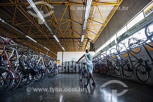 Bicicletário na Estação de Metrô da Pavuna  - Rio de Janeiro - Rio de Janeiro (RJ) - Brasil