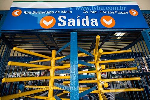 Saída da plataforma da Estação Central do Brasil  - Nova Iguaçu - Rio de Janeiro (RJ) - Brasil