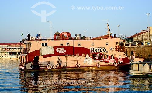 Barco da Bíblia - projeto com livraria e museu itinerante da Sociedade Bíblica do Brasil (SBB) - às margens do Rio Tapajós  - Itaituba - Pará (PA) - Brasil