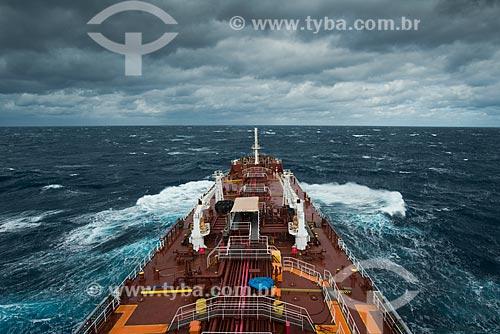 Navio Maisa enfrenta ondas de até 8 metros no seu percurso para Buenos Aires  - Rio Grande do Sul (RS) - Brasil