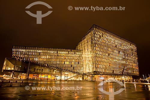 Fachada do Harpa Opera House à noite  - Reykjavík - Capital Region - Islândia