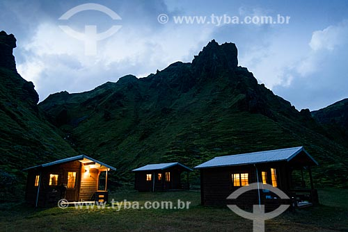 Cabanas em acampamento na região da vila Vík í Mýrdal  - Southern Region - Islândia