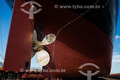 Detalhe da hélice e leme do Navio Maísa durante o reparo no Estaleiro Tandanor  - Buenos Aires - Província de Buenos Aires - Argentina