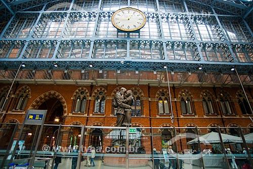 Escultura The Meeting Place (2013) na Estação Ferroviária Saint Pancras (1868) - também conhecida como St Pancras International  - Londres - Grande Londres - Inglaterra