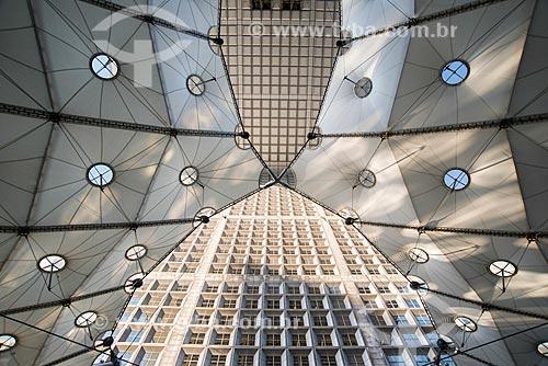 Detalhe do Grande Arche de la Défense (Arco de La Defense)  - Paris - Paris - França