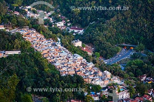 Vista da favela do Cerro Corá a partir do Mirante Dona Marta  - Rio de Janeiro - Rio de Janeiro (RJ) - Brasil