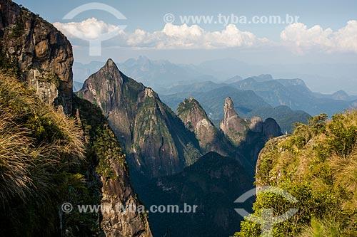 Vista dos picos de Santo Antônio, Cabeça de Peixe e Dedo de Deus a partir do mirante conhecido como Portais de Hércules  - Petrópolis - Rio de Janeiro (RJ) - Brasil