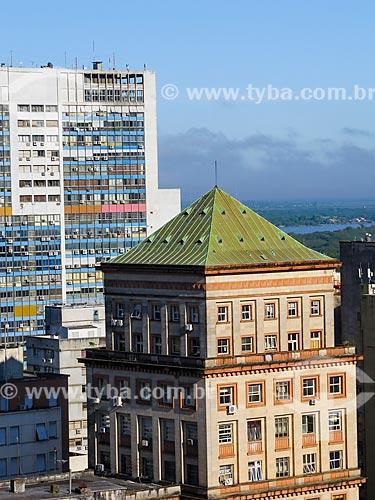 Vista do Edifício Sulacap com Edificio Santa Cruz ao fundo no centro de Porto Alegre  - Porto Alegre - Rio Grande do Sul (RS) - Brasil