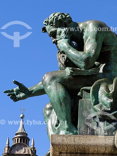 Detalhe do Monumento a Júlio de Castilhos na Praça da Matriz com a Catedral Metropolitana de Porto Alegre ao fundo  - Porto Alegre - Rio Grande do Sul (RS) - Brasil