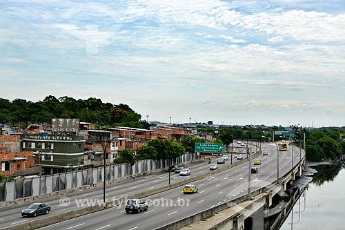 Linha Vermelha próximo ao Complexo da Maré  - Rio de Janeiro - Rio de Janeiro (RJ) - Brasil