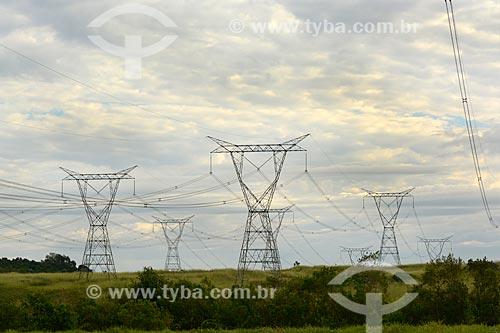 Torres de transmissão da Usina Hidrelétrica Itaipu Binacional  - Foz do Iguaçu - Paraná (PR) - Brasil
