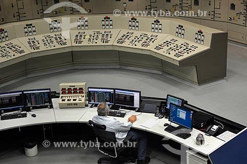 Interior da sala de comando central da Usina Hidrelétrica Itaipu Binacional  - Foz do Iguaçu - Paraná (PR) - Brasil