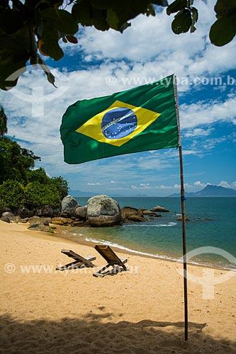 Bandeira do Brasil na Praia Grande de Palmas  - Angra dos Reis - Rio de Janeiro (RJ) - Brasil