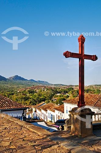 Pátio da Igreja Matriz de Santo Antônio com a Serra de São José ao fundo   - Tiradentes - Minas Gerais (MG) - Brasil