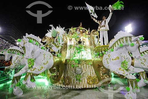 Cantor Elymar Santos durante o desfile do Grêmio Recreativo Escola de Samba Imperatriz Leopoldinense - Destaque de carro alegórico  - Rio de Janeiro - Rio de Janeiro (RJ) - Brasil