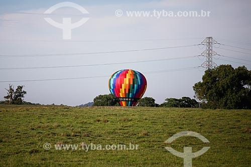 Balão de ar quente próximo à Rodovia Niterói-Manilha (BR-101)  - Niterói - Rio de Janeiro (RJ) - Brasil