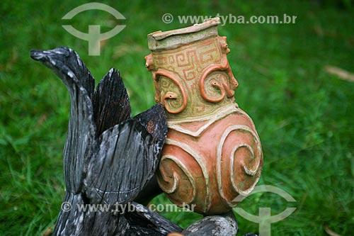 Detalhe de vaso de barro na Ilha do Marajó  - Soure - Pará (PA) - Brasil
