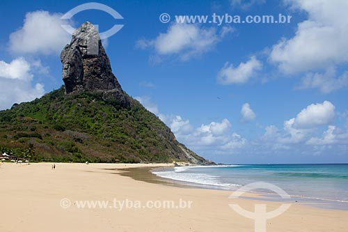 Praia da Conceição com o Morro do Pico ao fundo  - Fernando de Noronha - Pernambuco (PE) - Brasil