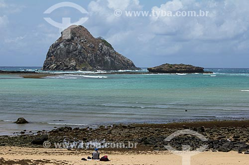 Praia do Sueste com a Ilha do Chapéu ao fundo  - Fernando de Noronha - Pernambuco (PE) - Brasil