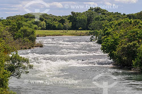Vista geral do Rio Corrente  - Serranópolis - Goiás (GO) - Brasil