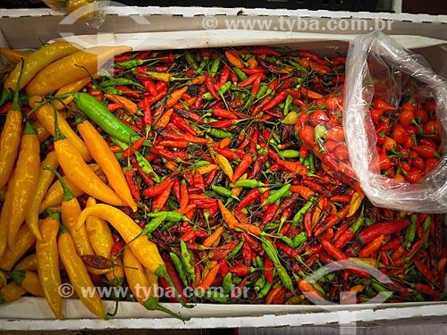 Pimentas à venda no Centro de Abastecimento do Estado da Guanabara (CADEG)  - Rio de Janeiro - Rio de Janeiro (RJ) - Brasil