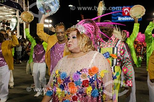 Cantora Alcione durante o desfile do Grêmio Recreativo Escola de Samba Estação Primeira de Mangueira  - Rio de Janeiro - Rio de Janeiro (RJ) - Brasil